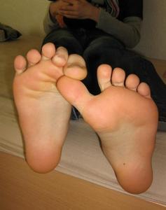 Teen-Feet-Selfshot-q7fae4lybs.jpg